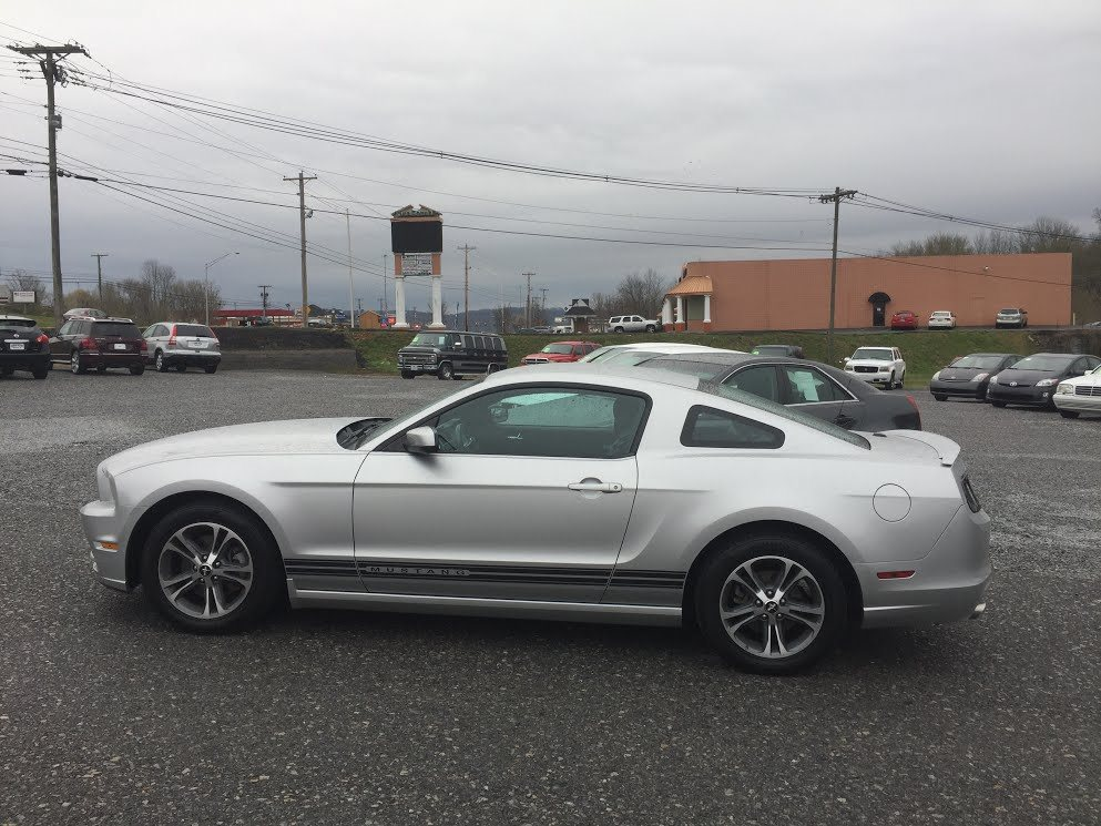 2014 FORD MUSTANG  2D COUPE  3.7L V6 SMPI DOHC SILVER IN COLOR, 83342 MILES, 5 SPEED, LOCATED AT RAINBOW MOTORS INC 937 E STONE DR KINGSPORT TN 37660 423-288-5827